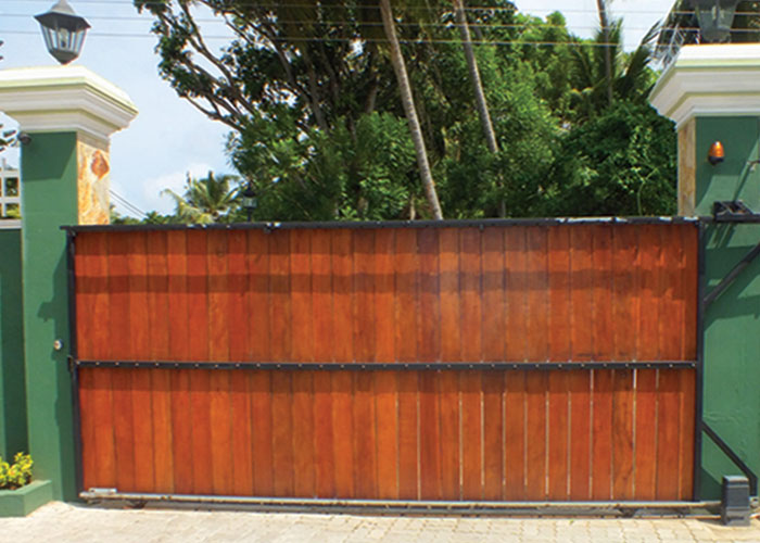 Sliding gates designer roller door swing gates sliding - Sliding main gate design for home ...